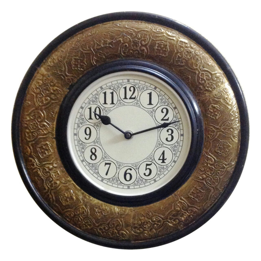Brass-fitted-wall-clock-design